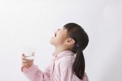 Полоскание горла при ангине