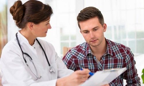 Если мочеиспускание сопровождается жжением, необходимо в первую очередь обратиться к урологу, который назначит и скорректирует курс лечения