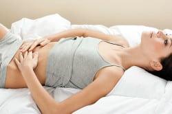 Боль в животе - симптом кисты желудка
