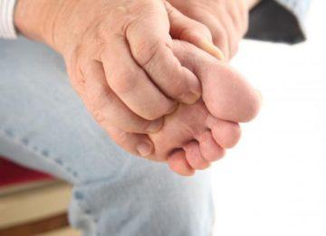 Причины и возможное лечение зуда ступней