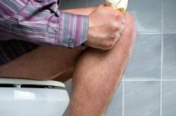 Дискомфорт при процессе опорожнения - симптом геморроя
