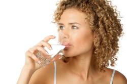 Обильное питье при лечении фарингита у грудных детей