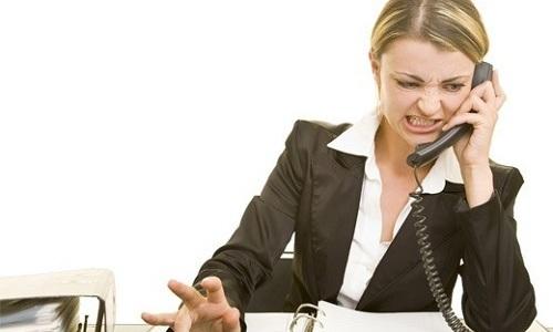 Нелюбимая работа приводит к хроническому стрессу, что может стать причиной появления геморроя