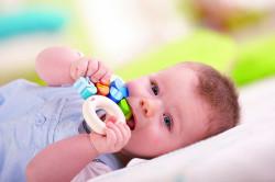 Прорезывание зубов как причина заложенности носа