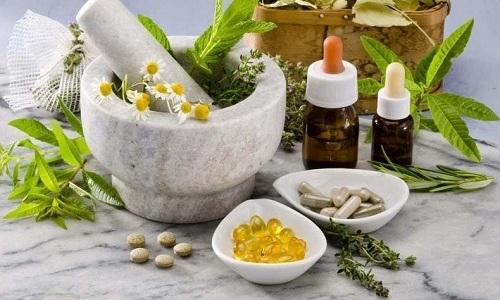Народные методы для борьбы с запорами популярны среди больных, так как не требуют приема синтетических препаратов