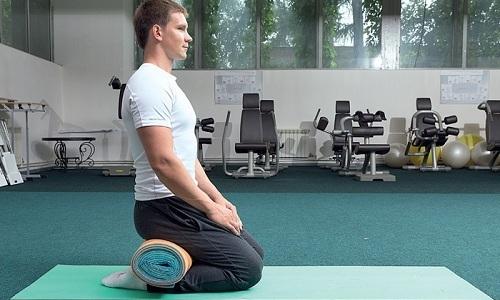 Гимнастику по Кегелю также можно делать в сидячем или стоячем положении