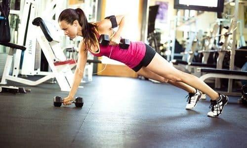 Меры профилактики затрудненного мочеиспускания у женщин включают тренировку мышц тазового дна с помощью специальных упражнений