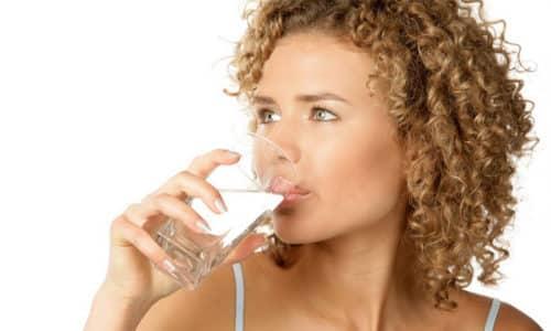 Гель перед применением разбавляют тройным объемом воды. Можно принимать внутрь до еды и запивать водой